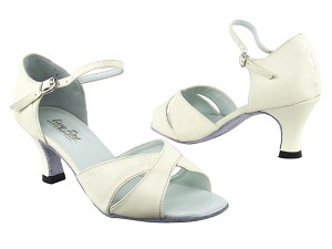 "6029 Creamy White Leather with 2.5"" Heel in the photo"
